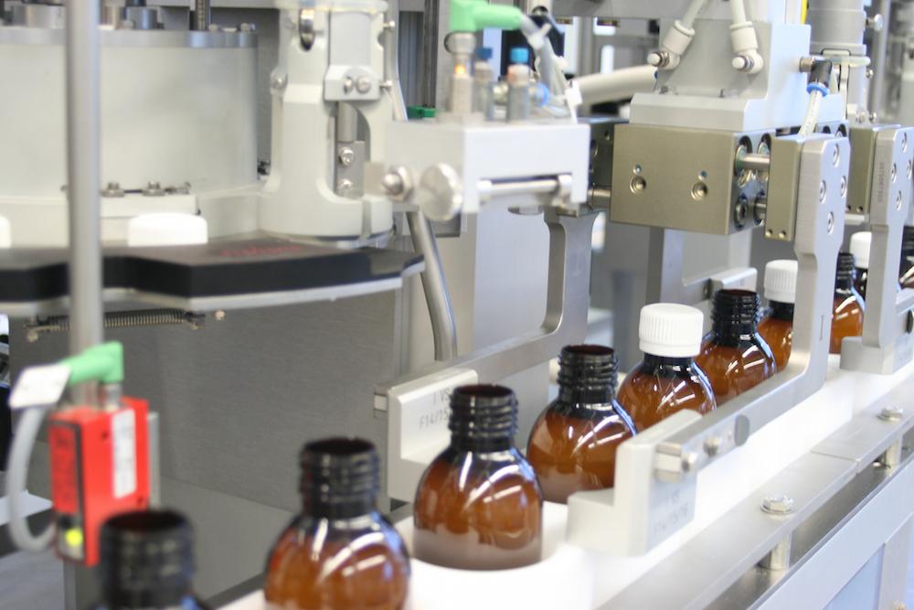 Las máquinas envasado y embalaje medicamentos. Foto © Groninger.