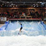 THE WAVE y la nueva piscina de actividades, protagonistas deBeach World. Imagen © Messe Düsseldorf / C.Tillmann