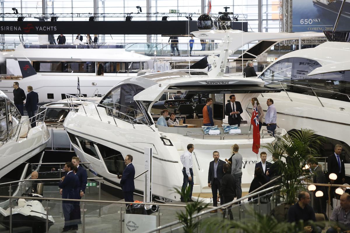 Grandes veleros de más de 60 pies y yates de lujo en boot Düsseldorf